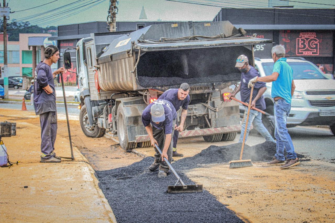 Samae Brusque inicia pavimentação de trechos escavados na expansão de rede