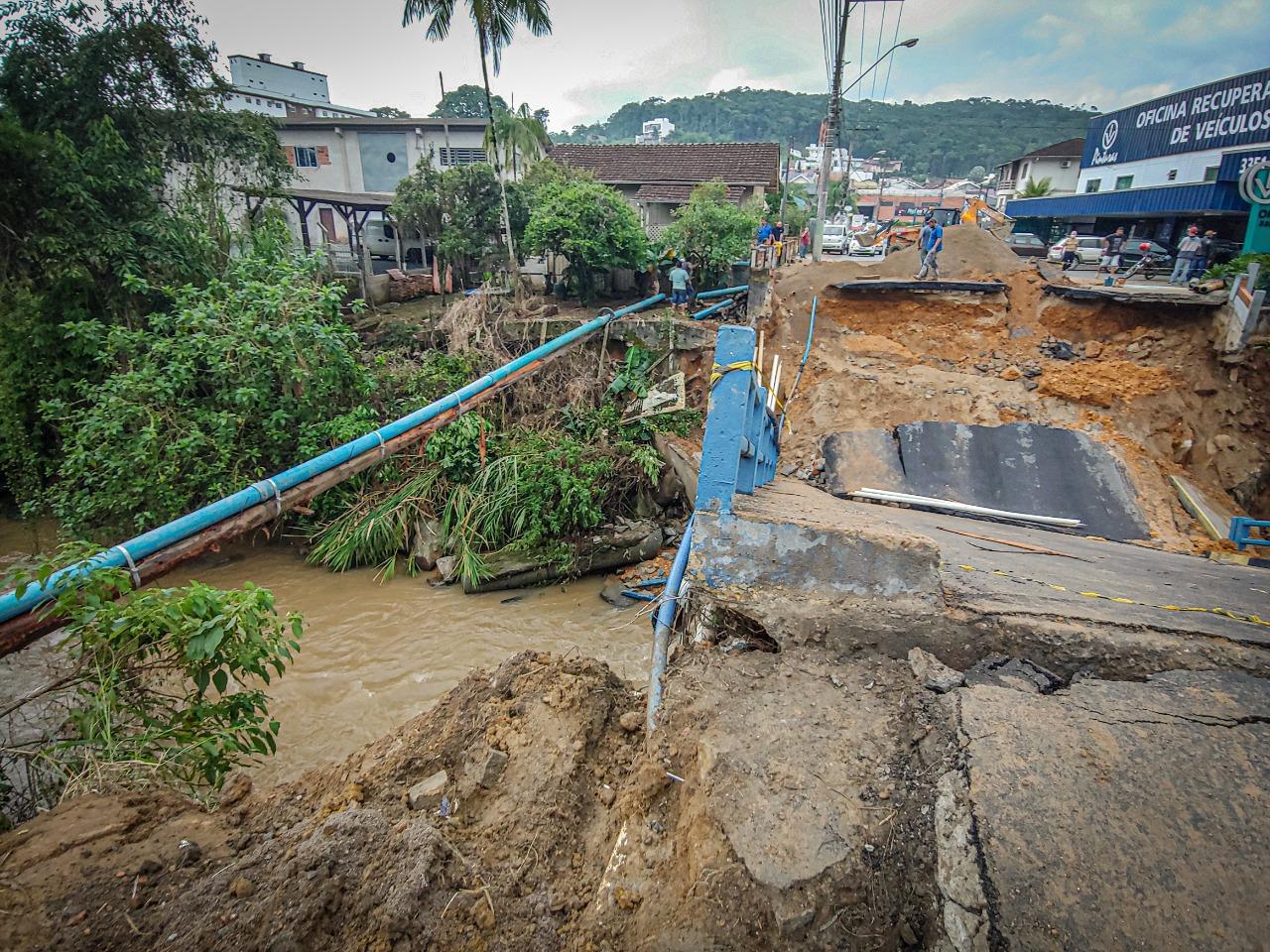 Samae finaliza reparo emergencial após queda de ponte