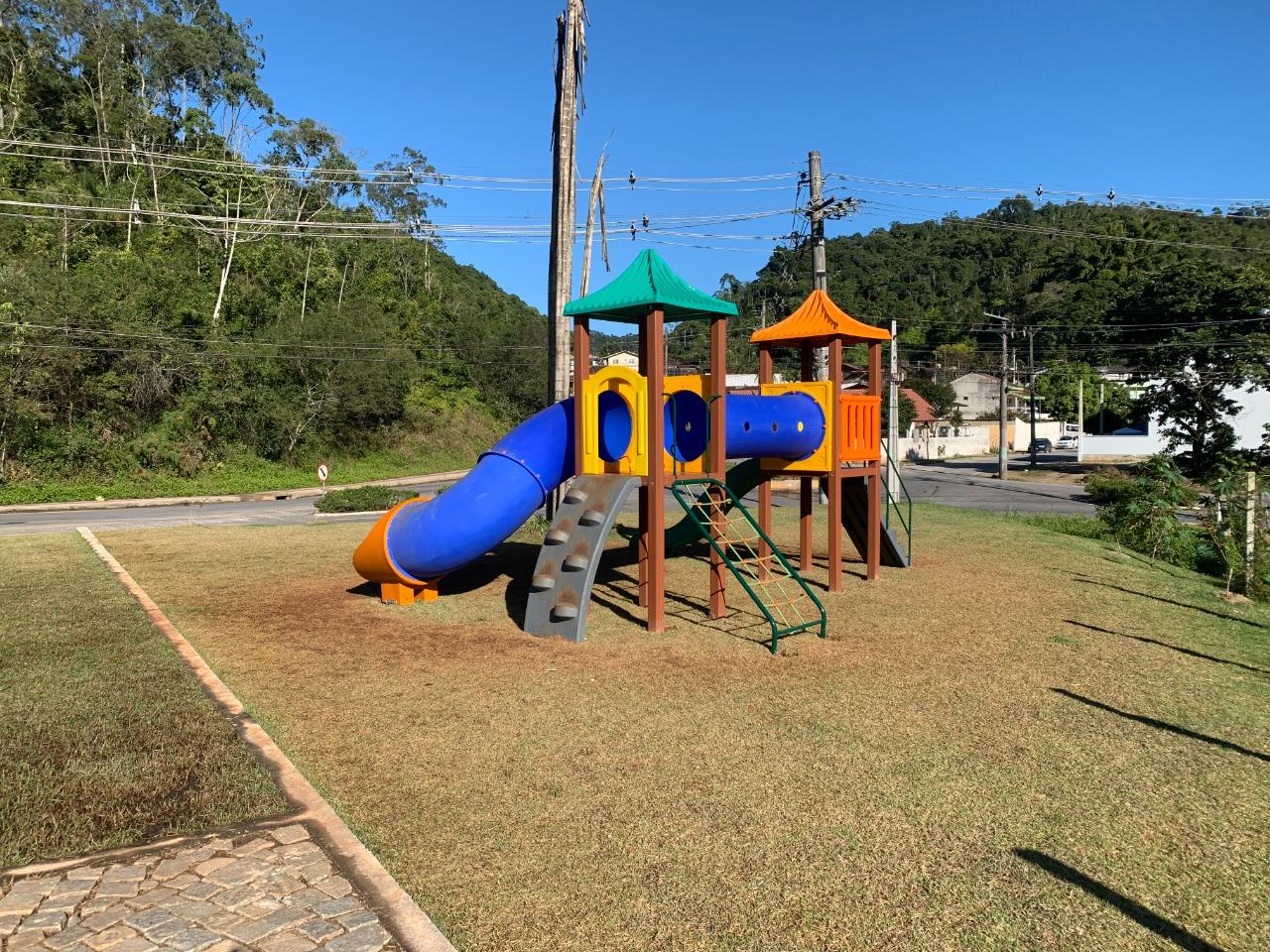 Prefeitura inicia reforma de playgrounds e academias ao ar livre