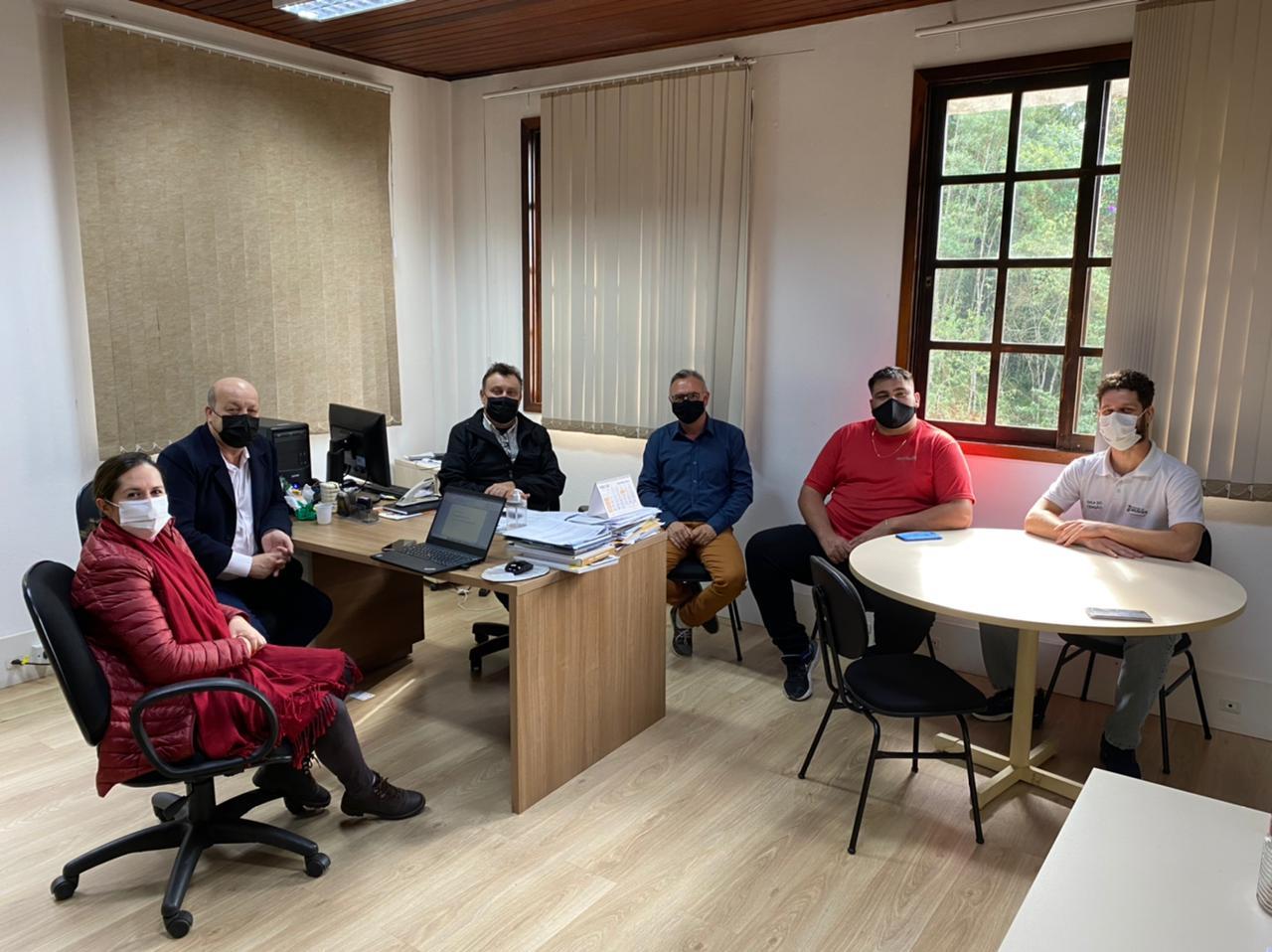 Coordenadores da Sala do Empreendedor participam de consultoria com o Sebrae SC