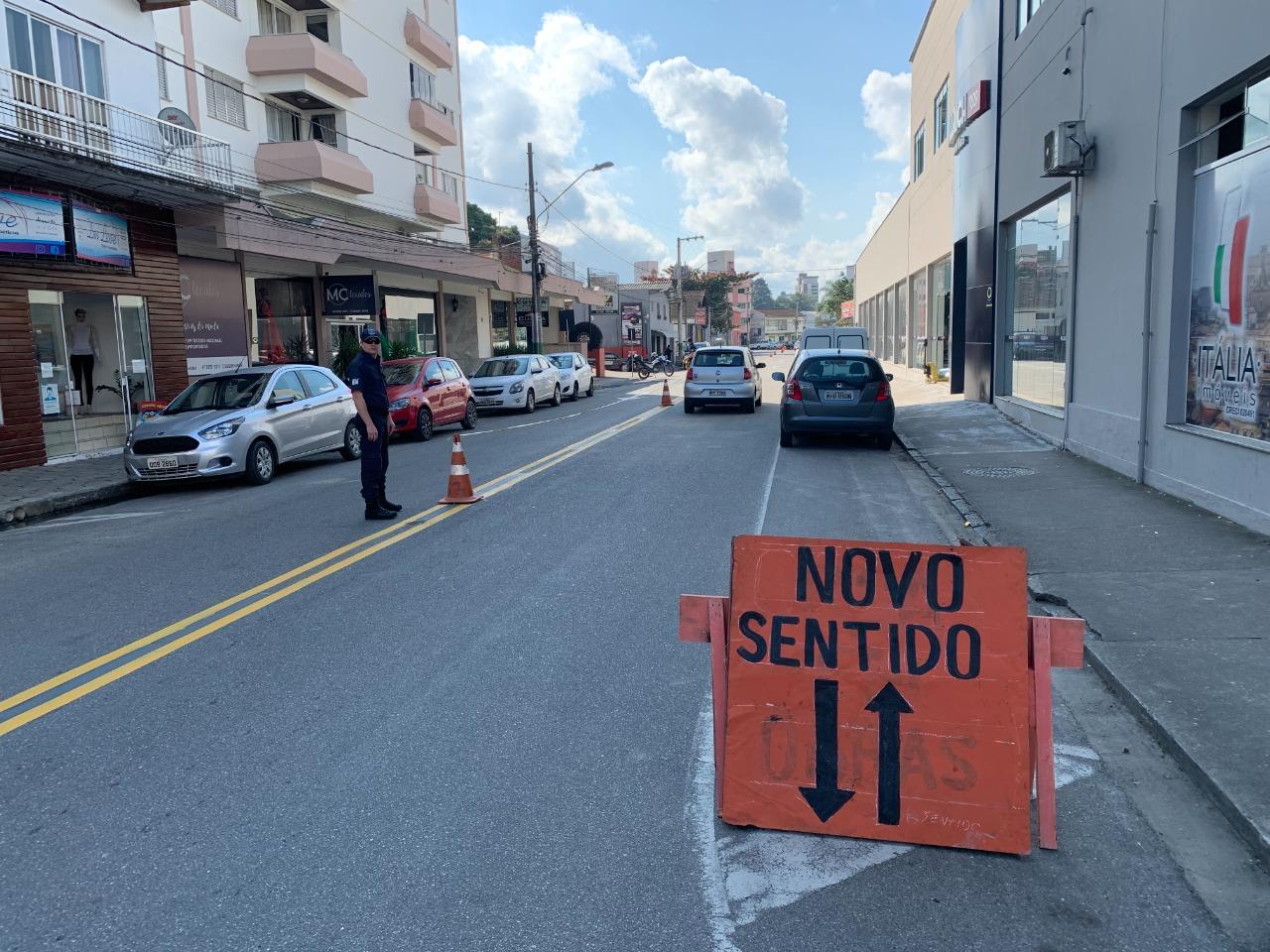 Rua Gustavo Richard terá trânsito alterado para mão dupla
