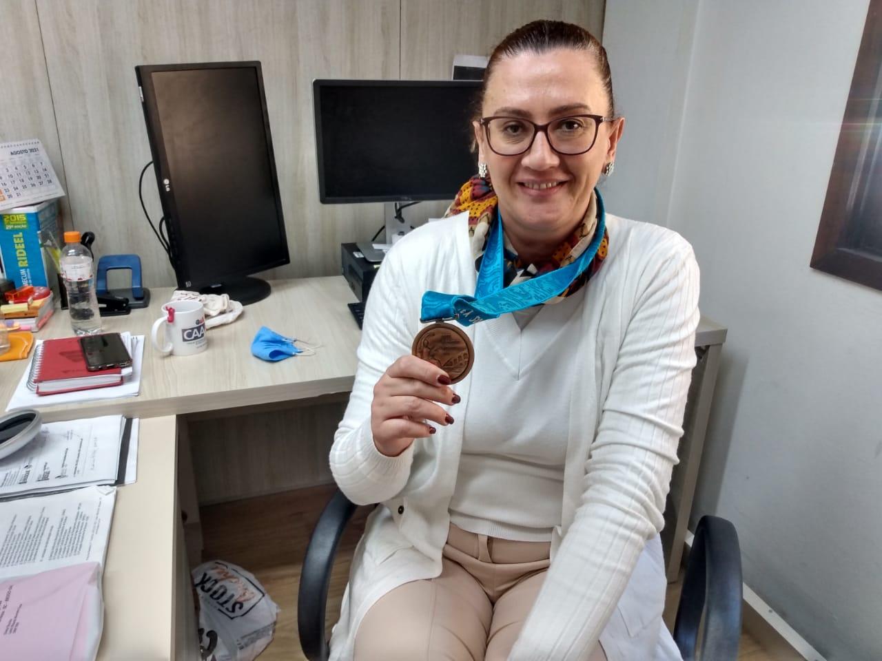Olimpíadas: Servidora da Prefeitura de Brusque relembra participação olímpica