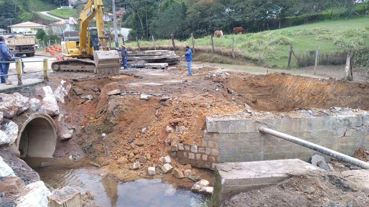 Samae presta apoio à Secretaria de Obras no Ponta Russa