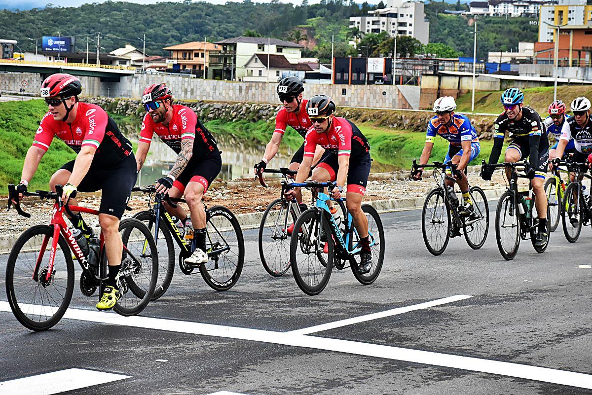 3ª etapa do campeonato Catarinense de Ciclismo ocorreu em Brusque