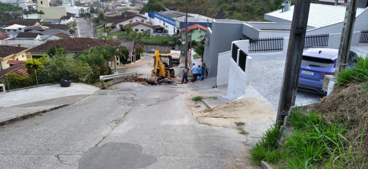 Samae atua em rompimento de rede no bairro Nova Brasília