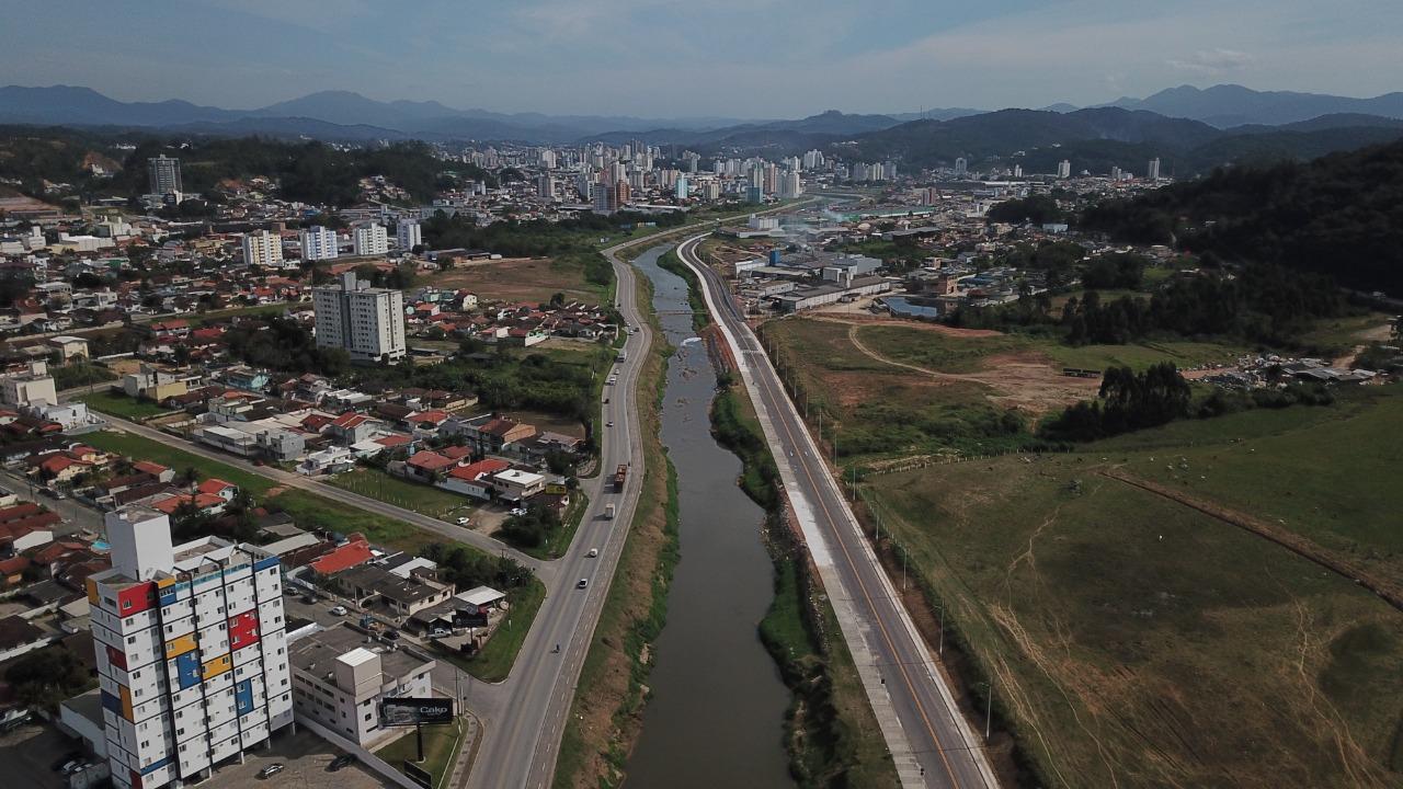 Conheça os números da avenida Governador Luiz Henrique da Silveira