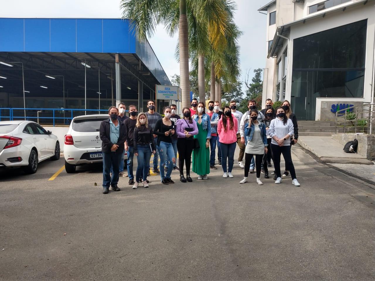Estudantes da Unifebe conhecem estrutura do Samae Brusque