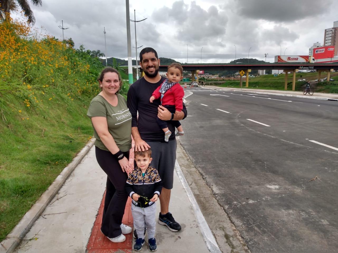 Famílias de Brusque aproveitam domingo (10) na Avenida Governador Luiz Henrique da Silveira